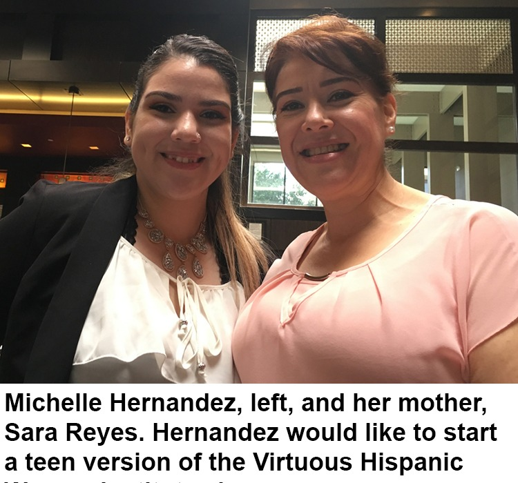 Michelle Hernandez, left, and her mother, Sara Reyes.